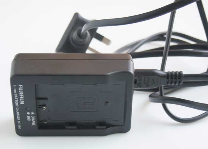Fujifilm BC-150 Lithium-ion  (Battery / Charger) £12.00